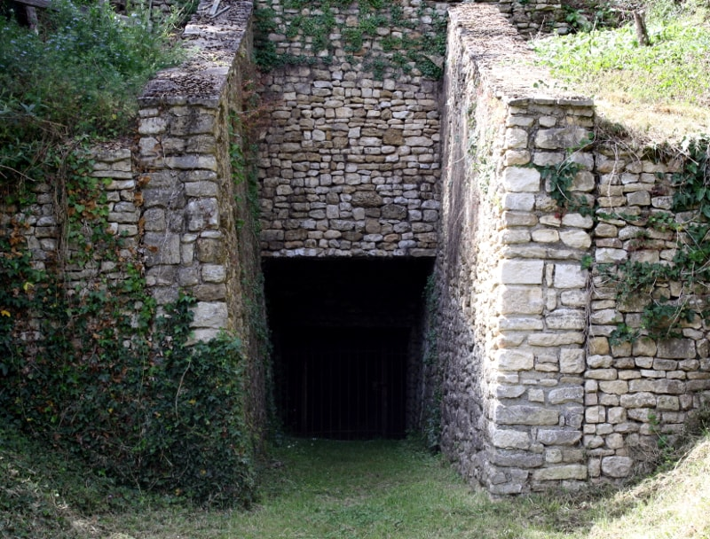 cavité entrée rivière souterraine de champdeniers