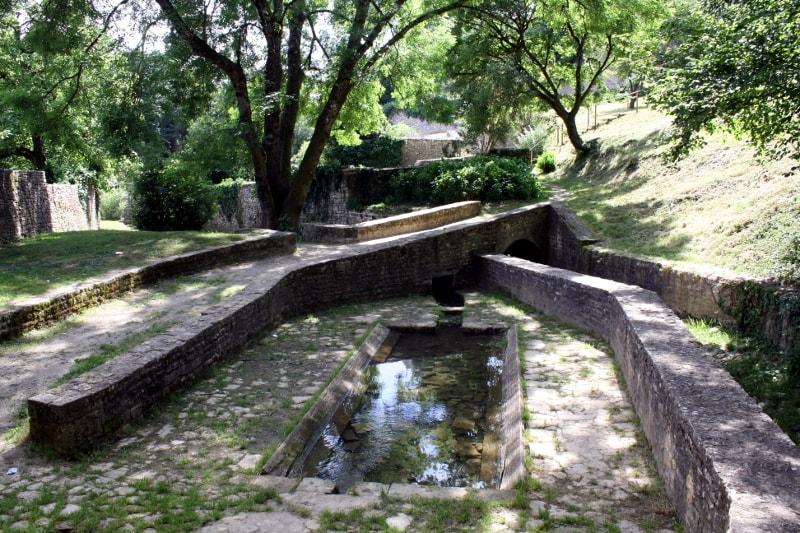 lavoir et rivière champdeniers