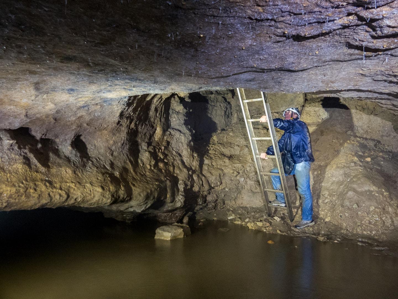 Rivière souterraine de Champdeniers - Echelle d'accès à la rivière