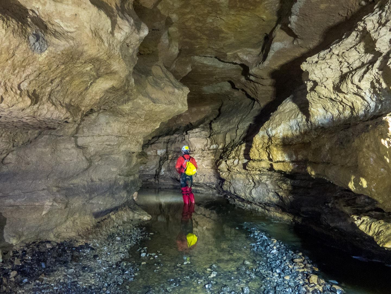 Rivière souterraine de Champdeniers - Progression souterraine