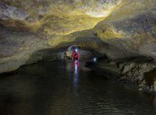 Rivière souterraine de Champdeniers - Progression vers la salle des Gypses