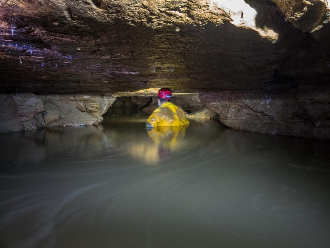 Rivière souterraine de Champdeniers - Progression vers le siphon aval
