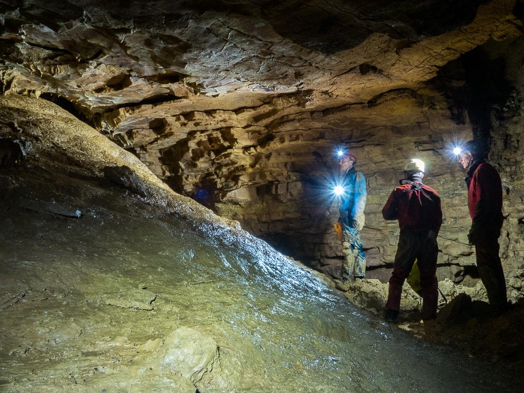 Rivière souterraine de Champdeniers - dans la Salle de la Goutte d'Eau