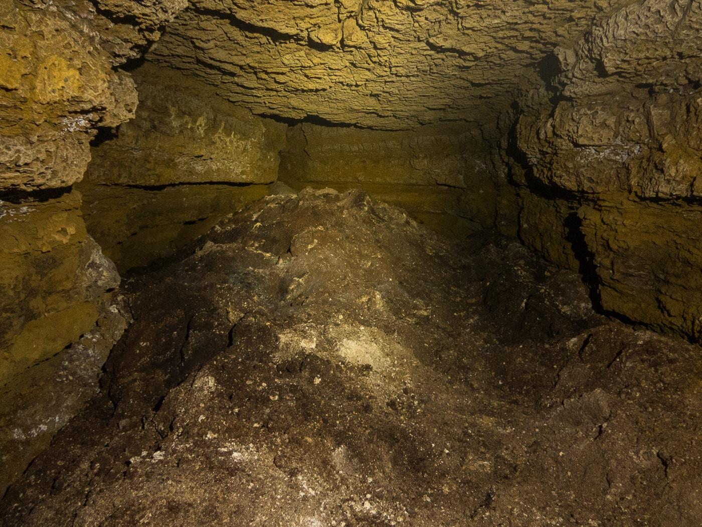 rivière souterraine champdeniers salle de la poudrière